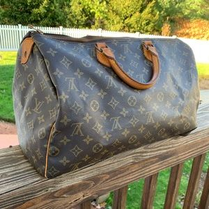 AUTHENTIC VINTAGE Louis Vuitton Speedy 40